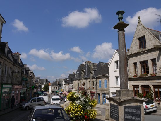 Langoelan, France: Pretty Guemene-sur-Scorff - our local town