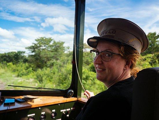 Hwange, Zimbábue: If you're lucky you can drive the train!