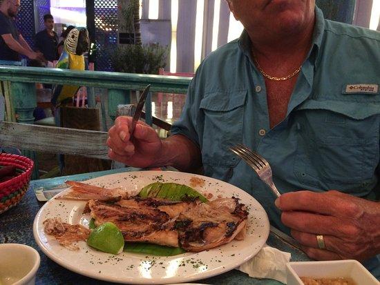 El Oasis Mariscos: Whole fish....red snapper
