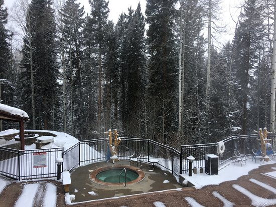 Mountain Village, CO: Outdoor pool/hot-tub/firepit