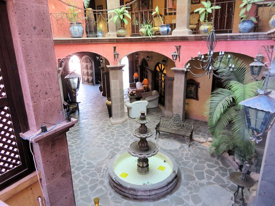 Posada de las Flores Loreto: courtyard