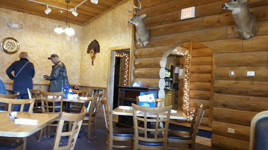 Plymouth, WI: Front dining area has tables and booths