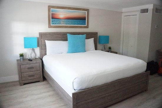 Drift Hotel King Bed Simple Decor