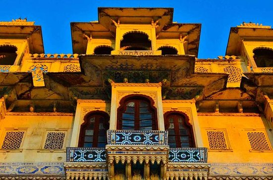Old City Udaipur Story : Living...