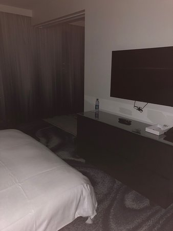Tv In Second Bedroom At Night Picture Of W Fort Lauderdale Tripadvisor