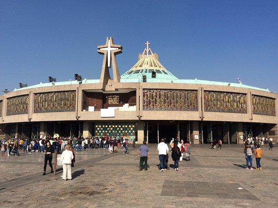 Basilica de Santa Maria de Guadalupe: De l'exterieur