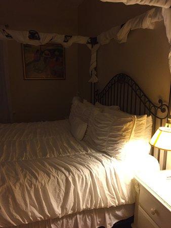 Ambrosia Key West Tropical Lodging: Honeymoon Room