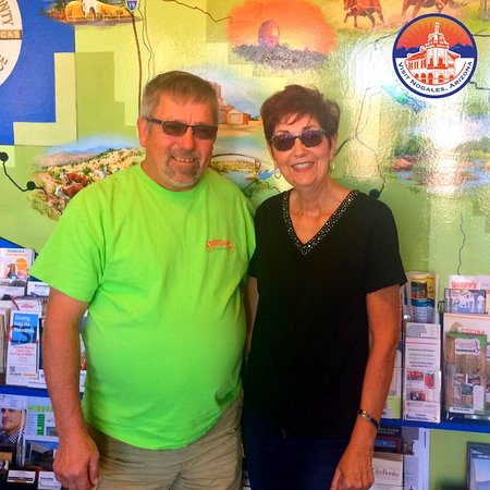 Nogales-SCC Chamber of Commerce Visitor & Tourism Center: We want to give a warm #NogalesArizona welcome to our friends from #Wisconsin!