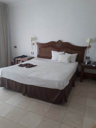 Be Live Experience Hamaca Beach No Food For Breakfast Buffet Most Days Mold
