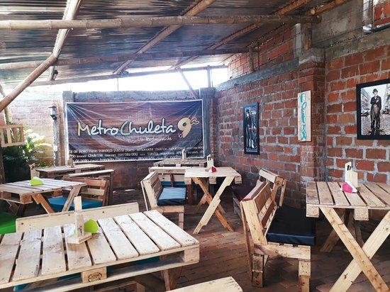 Metrochuleta Parrilla Cafe Bar Cuenta Con Zona De Juegos Al Aire