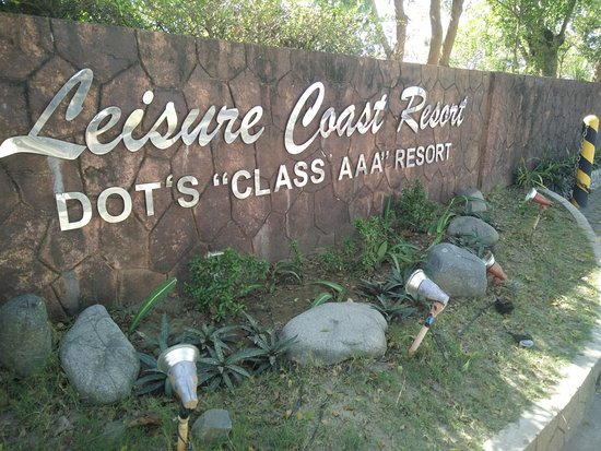 Leisure Coast Resort: the sign that greets guests by the roadside