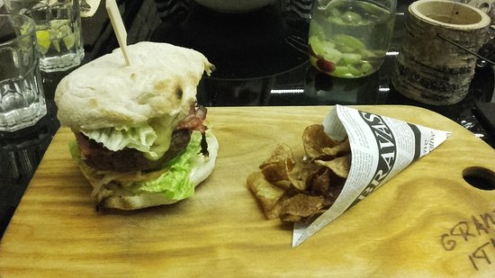 Jablonec nad Jizerou, Repubblica Ceca: Hovězí hamburger
