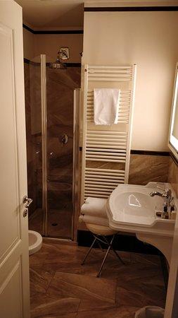 Victoria Hotel Letterario: IMG_20180307_191201_large.jpg