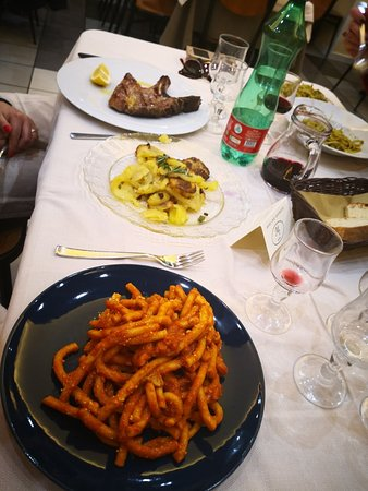 Cesaro, Italy: hotel ristorante Fratelli Mazzurco