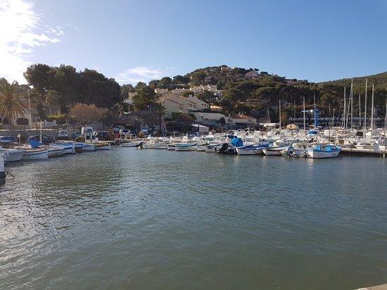Port de la madrague picture of la plage de la madrague - Port de la madrague saint cyr sur mer ...