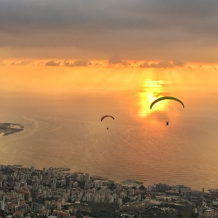Paragliding Jounieh: Sunset in Jouneh have special taste with paragliding