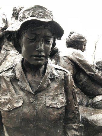Vietnam Women's Memorial : Realistisch