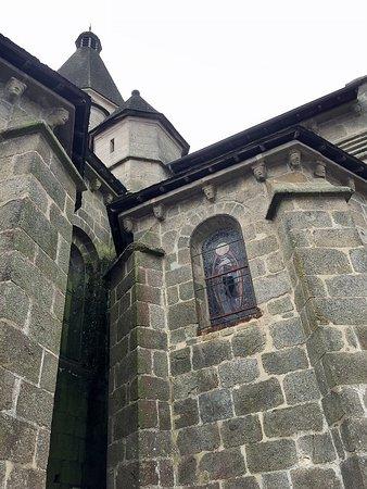 Benevent-l'Abbaye, ฝรั่งเศส: les sculptures extérieures
