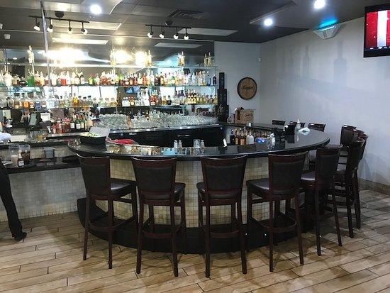 Fontana, Калифорния: Bar
