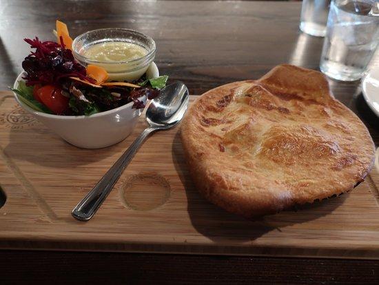 Dubh Linn Gate Irish Pub: Loved the crust.