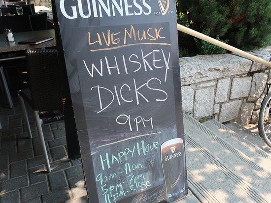 Dubh Linn Gate Irish Pub: Live Music