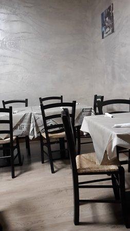 Limbiate, Italia: sala da pranzo