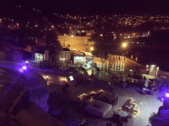 Via Jordan Travel  - Day Tours: Petra Guest House