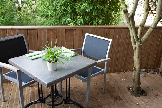 Coin Terrasse bois - Picture of L\'Ame au Vert, Avelin ...
