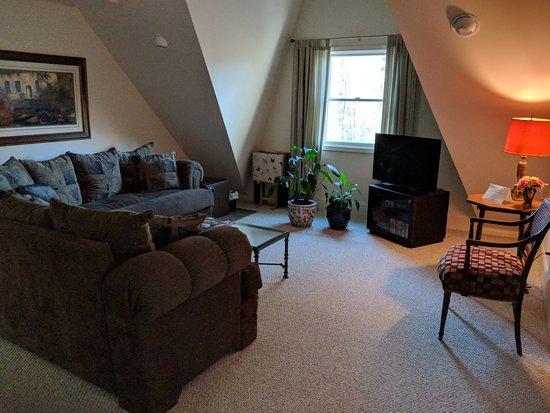 Columbus, NC: Private sitting room