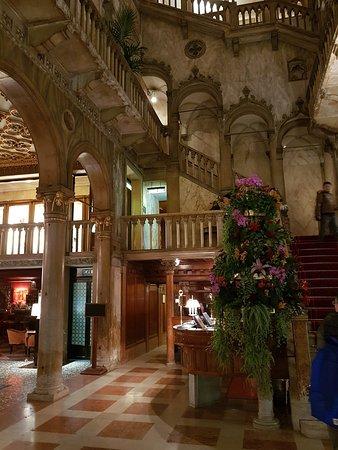 escalier d\'accès au restaurant - Picture of Restaurant Terrazza ...