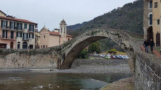Liguria, Italia: ponte romano