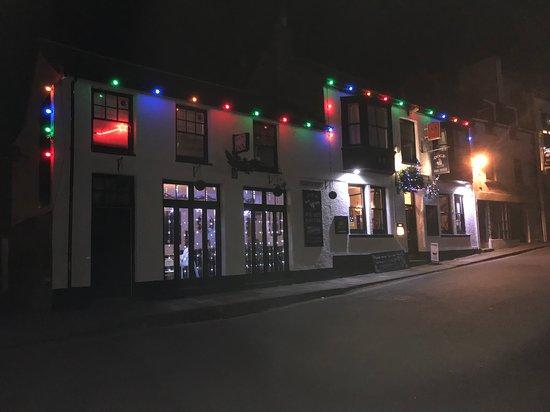 The Dock Inn: Dock Inn