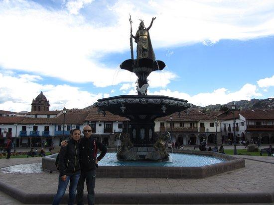 Plaza de Armas (Huacaypata): 1 Plaza de Armas