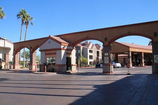 Holiday Inn Club Vacations at Desert Club Resort: entrée de l'hôtel
