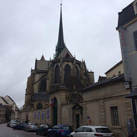 Cathédrale Saint-Bénigne de Dijon: photo0.jpg
