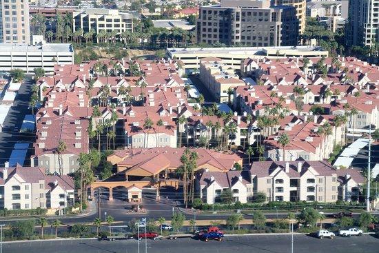 Holiday Inn Club Vacations at Desert Club Resort: vue de l'hôtel depuis la grande roue