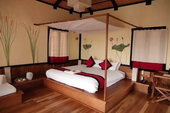 Inle Heritage: Beautiful and romantic setting of the room. & Beautiful and romantic setting of the room. - Picture of Inle ...