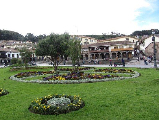 Plaza de Armas (Huacaypata): 2 Plaza de Armas