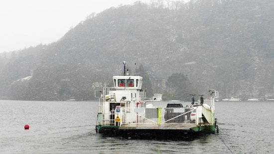 Bowness-on-Windermere, UK: Ferry runs throughout the year.