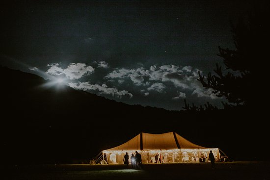 Turquoise Barn: Weddings in the Event Field