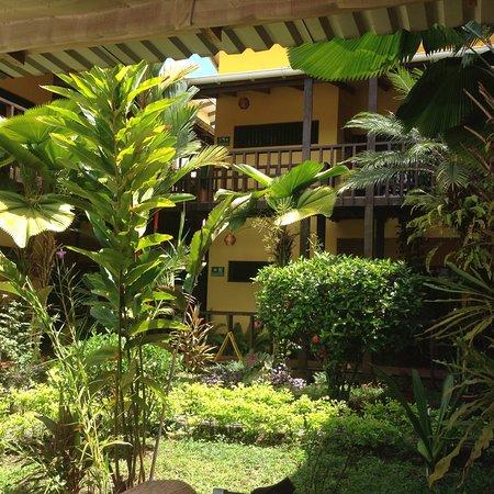 La Casa de las Flores Hotel: photo1.jpg