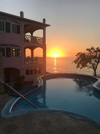 Home Sweet Home Resort: HSH has the most gorgeous sunsets ever!