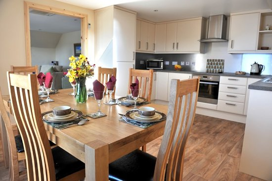 Dounby, UK: Dining area and Kitchen in Kringla 3