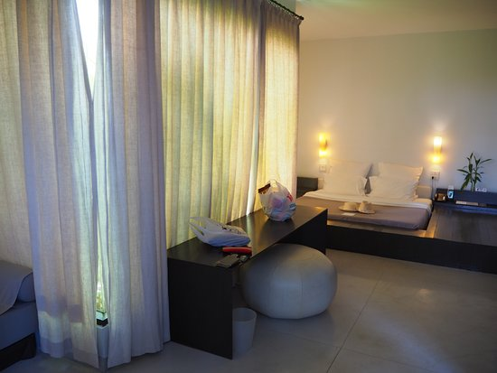Wonderful hotel with quiet environment and great breach