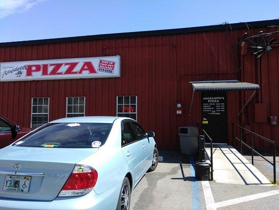 Inverness, FL: Looks like a warehouse