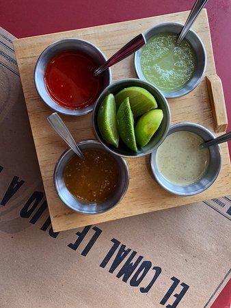 Comal: Nuestras 4 salsas principales.....hasta habanera tenemos