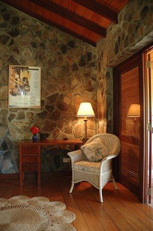Belmont, Бекия: Superior Deluxe AC Interior of room