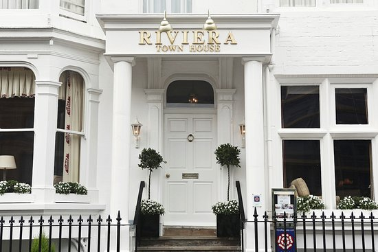 Riviera Town House: Exterior
