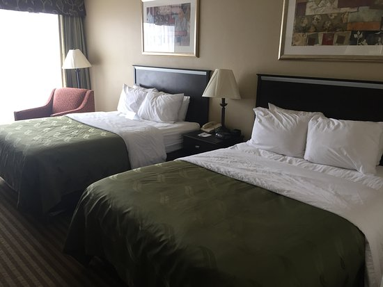 Indiana, PA: Two Queen Bed Room - Updated Bedding