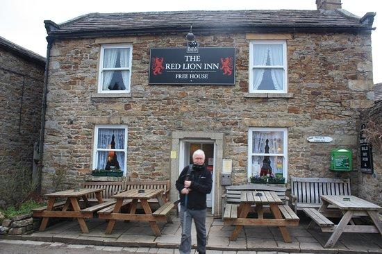 The Red Lion Inn at Langthwaite, near Reeth, North Yorkshire.
